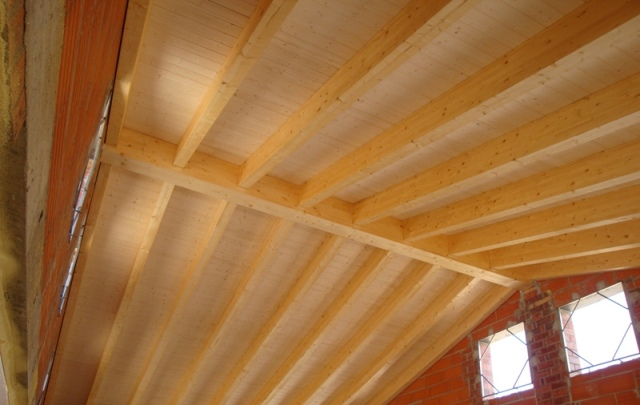 Tecnifusta vigas de madera laminada for Tejados vigas de madera